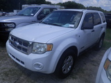 9-05156 (Cars-SUV 4D)  Seller: Gov/City of St.Petersburg 2008 FORD ESCAPE