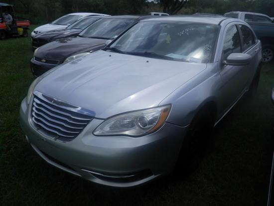 9-07128 (Cars-Sedan 4D)  Seller:Private/Dealer 2011 CHRY 200