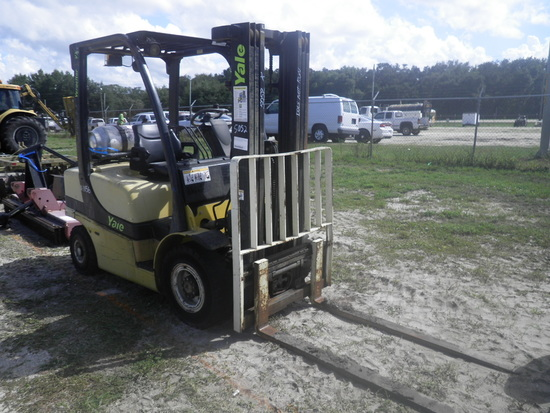 11-01156 (Equip.-Fork lift)  Seller: Gov/Hillsborough County B.O.C.C. YALE VERACITOR VX LPG 4-800LB