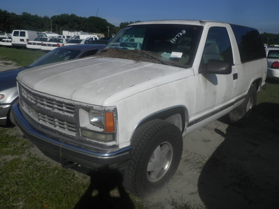 11-05125 (Cars-SUV 4D)  Seller: Florida State F.W.C. 1999 CHEV TAHOE