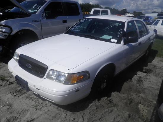 11-05132 (Cars-Sedan 4D)  Seller: Gov/Hillsborough County Sheriff-s 2011 FORD CROWNVIC
