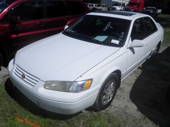 11-07125 (Cars-Sedan 4D)  Seller:Private/Dealer 1997 TOYT CAMRY