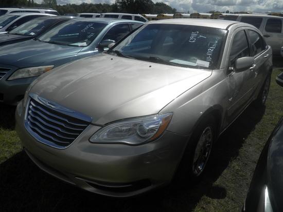 11-07131 (Cars-Sedan 4D)  Seller:Private/Dealer 2013 CHRY 200