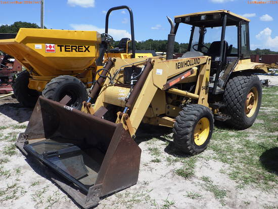 7-01152 (Equip.-Tractor)  Seller:Private/Dealer NEW HOLLAND 545D 4x4 3PT HITCH P