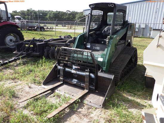 7-01120 (Equip.-Loader- skid steer)  Seller:Private/Dealer TEREX PT-70 TRACK SKI
