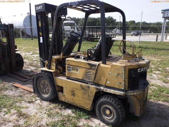 7-01128 (Equip.-Fork lift)  Seller:Private/Dealer CATERPILLAR V50D L.P.G. FORK L