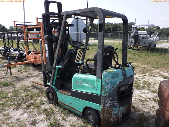 7-01132 (Equip.-Fork lift)  Seller:Private/Dealer MITSUBISHI FGC15K L.P.G. FORK