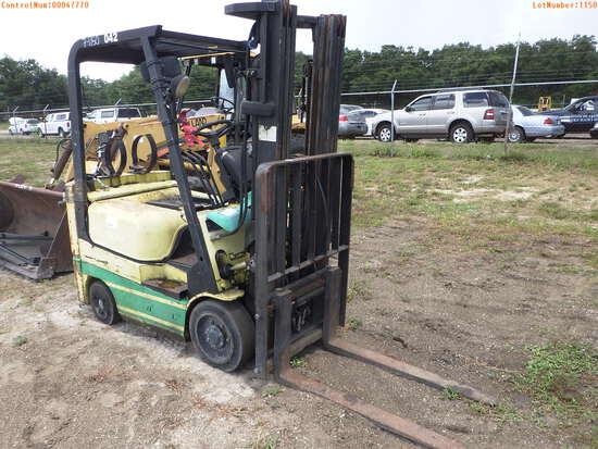 7-01150 (Equip.-Fork lift)  Seller:Private/Dealer CATERPILLAR GC18K L.P.G. FORKL