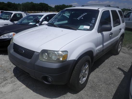 7-05123 (Cars-SUV 4D)  Seller: Florida State D.E.P. 2005 FORD ESCAPE