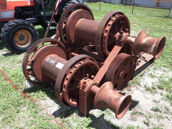 8-01114 (Equip.-Misc.)  Seller:Private/Dealer AMERICAN DOUBLE DRUM CAPSTAN WINCH
