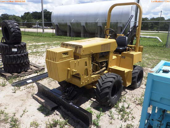8-01144 (Equip.-Trencher)  Seller:Private/Dealer DITCH WITCH 3700DD TRENCHER WIT