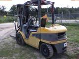 8-01210 (Equip.-Fork lift)  Seller: Gov-City Of Clearwater CAT P6000 5500LB FORK
