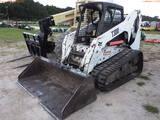 8-01558 (Equip.-Loader- skid steer)  Seller:Private/Dealer BOBCAT T300 TRACK SKI