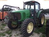 8-01194 (Equip.-Tractor)  Seller: Gov-Manatee County JOHN DEERE 7220 ENCLOSED CA