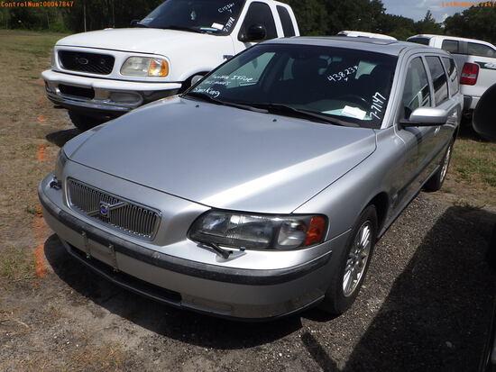 8-07116 (Cars-Wagon 4D)  Seller:Private/Dealer 2004 VOLV V70