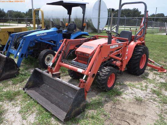 10-49072 (Equip.-Tractor)  Seller:Private/Dealer KUBOTA B20 4X4 TRACTOR LOADER B