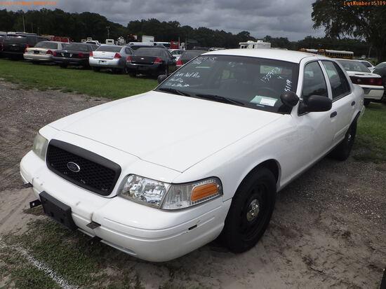 10-05119 (Cars-Sedan 4D)  Seller: Gov-Hillsborough County Sheriff-s 2010 FORD CR