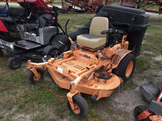 11-02136 (Equip.-Mower)  Seller:Private/Dealer SCAG TURF TIGER 61 INCH ZERO TURN
