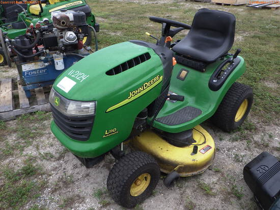 11-02124 (Equip.-Mower)  Seller:Private/Dealer JOHN DEERE L110 42 INCH RIDING MO