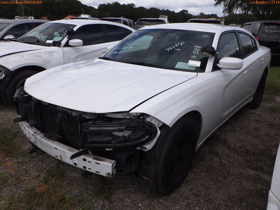 11-05118 (Cars-Sedan 4D)  Seller: Gov-Hillsborough County Sheriff-s 2015 DODG CH