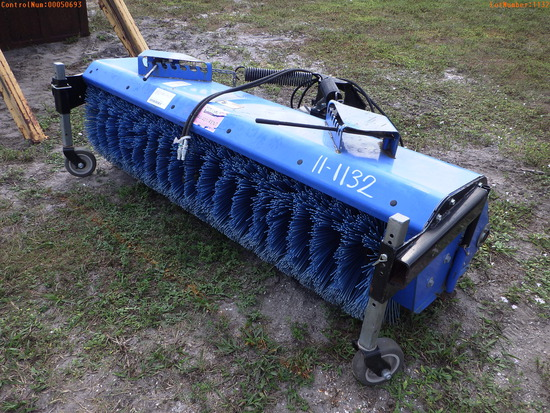 12-50693 (Equip.-Sweeper)  Seller:Private/Dealer NEW HOLLAND 72CO 72 INCH HYDRAU