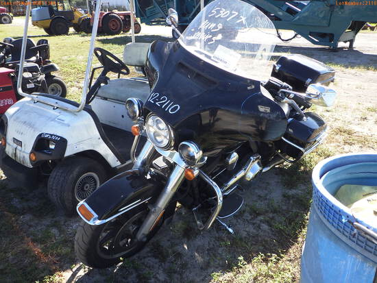 12-02110 (Cars-Motorcycle)  Seller: Florida State F.H.P. 2015 HD FHDXPMETA