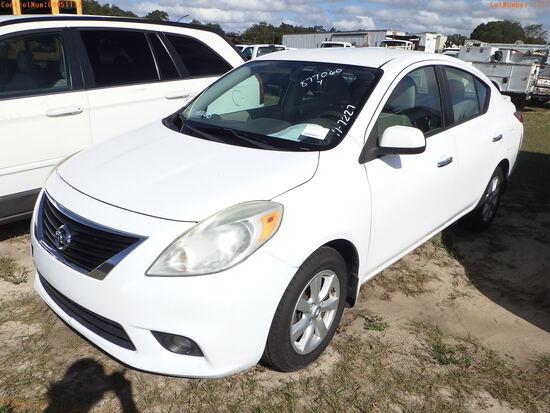 12-51132 (Cars-Sedan 4D)  Seller:Private/Dealer 2013 NISS VERSA