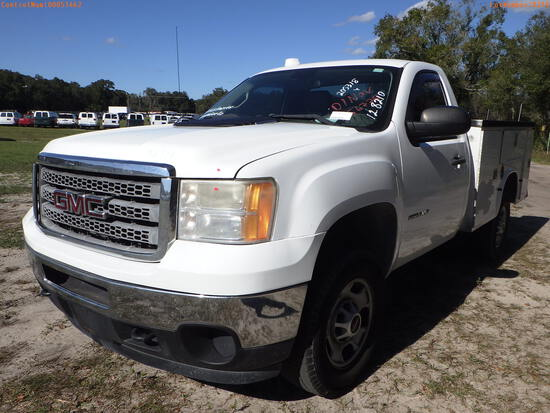 12-08210 (Trucks-Utility 2D)  Seller: Gov-Manatee County 2013 GMC 2500HD