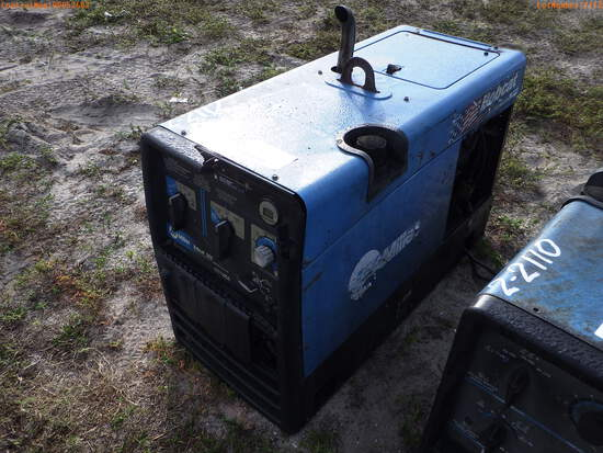 2-02112 (Equip.-Welding)  Seller:Private/Dealer MILLER 225 CC CV 9.5KW AC/DC WEL
