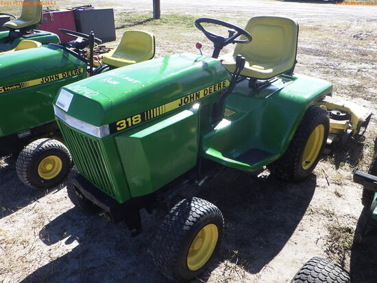 2-02142 (Equip.-Mower)  Seller:Private/Dealer JOHN DEERE 318 RIDING MOWER