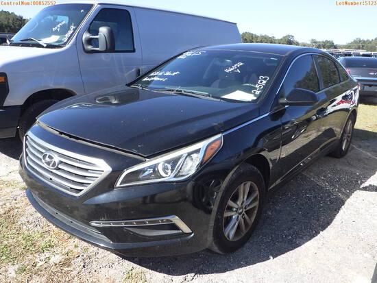 2-05123 (Cars-Sedan 4D)  Seller: Gov-Hillsborough County Sheriff-s 2015 HYUN SON