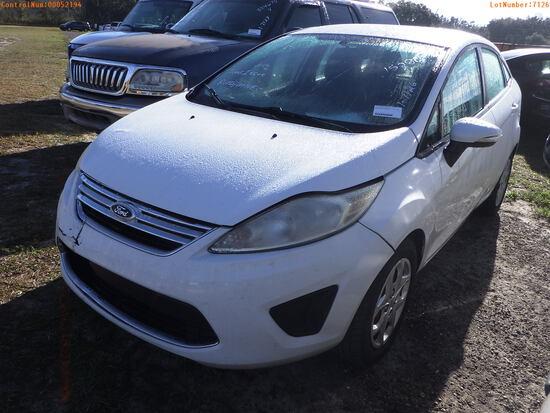 2-52194 (Cars-Sedan 4D)  Seller:Private/Dealer 2013 FORD FIESTA