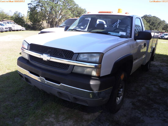 2-50957 (Trucks-Utility 2D)  Seller:Private/Dealer 2004 CHEV 2500