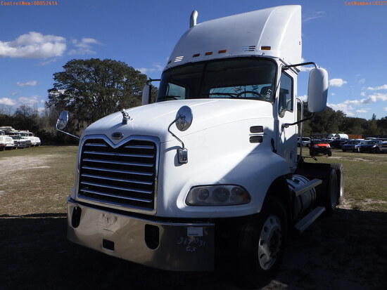 2-52414 (Trucks-Tractor)  Seller:Private/Dealer 2006 MACK CXN613