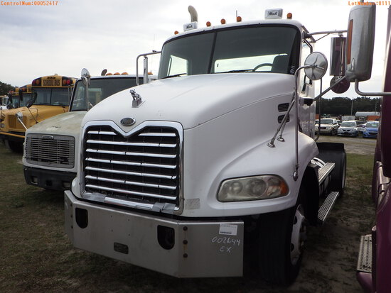 2-52417 (Trucks-Tractor)  Seller:Private/Dealer 2005 MACK VISION