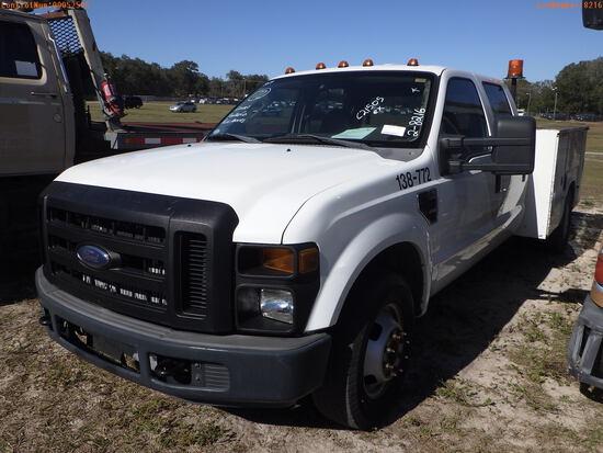 2-08216 (Trucks-Utility 4D)  Seller: Gov-Pinellas County BOCC 2008 FORD F350
