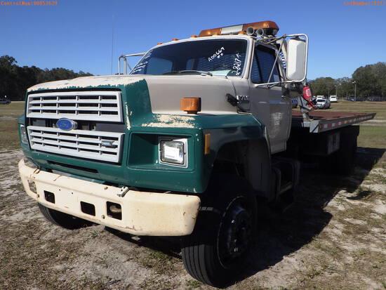 2-08217 (Trucks-Rollback)  Seller: Gov-Pinellas County BOCC 1994 FORD F700