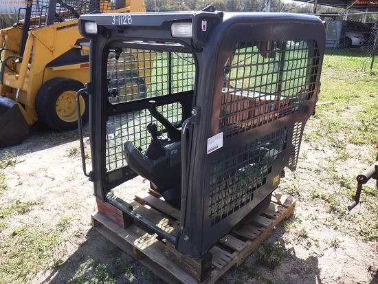 3-01128 (Equip.-Parts & accs.)  Seller:Private/Dealer KUBOTA SVL 95-2 HIGH FLOW