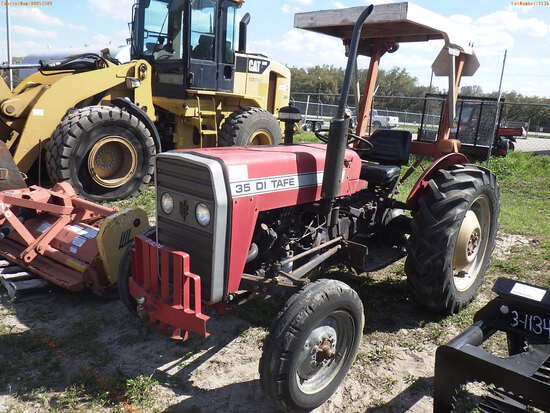 3-01136 (Equip.-Tractor)  Seller:Private/Dealer TAFE DIESEL FARM TRACTOR