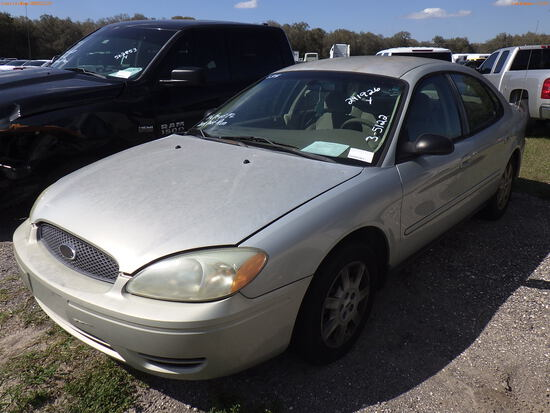 3-05122 (Cars-Sedan 4D)  Seller: Florida State D.J.J. 2005 FORD TAURUS