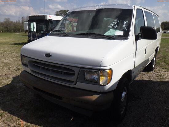 3-09115 (Trucks-Van Cargo)  Seller: Florida State D.J.J. 2001 FORD E350