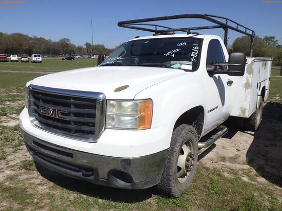 3-08216 (Trucks-Pickup 2D)  Seller: Gov-Clay County Utility Authority 2009 GMC 3