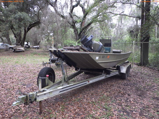 3-15116 (Vessels-Center console)  Seller: Florida State F.W.C. 1999 G3 18FT