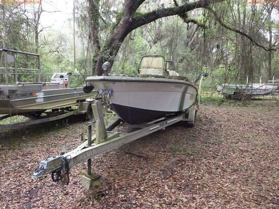 3-15111 (Vessels-Center console)  Seller: Florida State F.W.C. 2001 ANGL 22FT