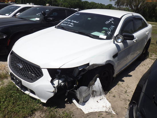 4-05114 (Cars-Sedan 4D)  Seller: Gov-City of St.Petersburg 2015 FORD TAURUS