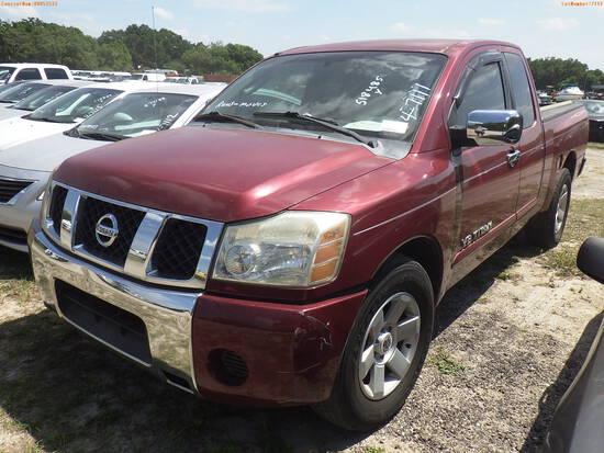 4-07111 (Trucks-Pickup 2D)  Seller:Private/Dealer 2005 NISS TITAN