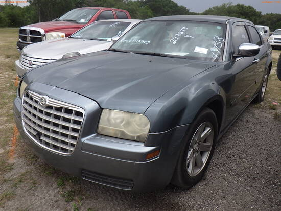 4-07138 (Cars-Sedan 4D)  Seller:Private/Dealer 2006 CHRY 300