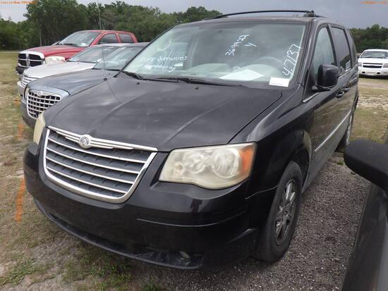 4-07137 (Cars-Van 4D)  Seller:Private/Dealer 2010 CHRY TOWN&COUN