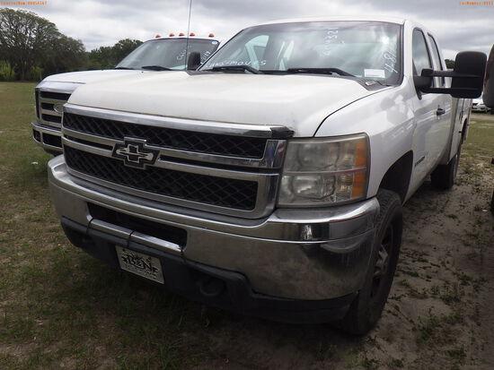 4-08113 (Trucks-Utility 2D)  Seller:Private/Dealer 2011 CHEV 2500