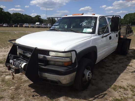 4-08223 (Trucks-Pickup 4D)  Seller: Gov-City of Temple Terrace 2002 CHEV 3500